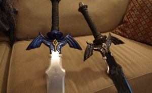 Master Sword normal e a do Dark Link